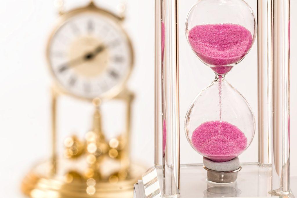 Temps passe, sablier, horloge